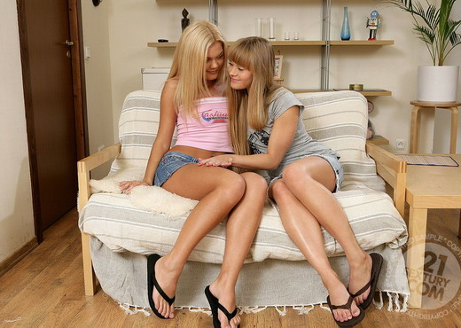 Ivanka, Willa - 21 Sextury - Lesbian Nude Gallery
