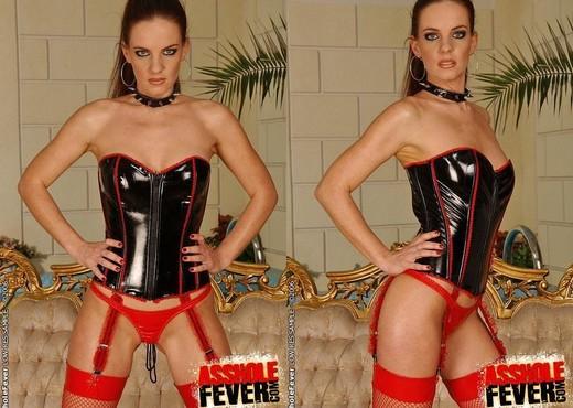 Evelyne - Asshole Fever - Hardcore Porn Gallery