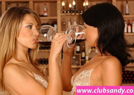 Vivien, Juditta - Club Sandy - Lesbian Hot Gallery
