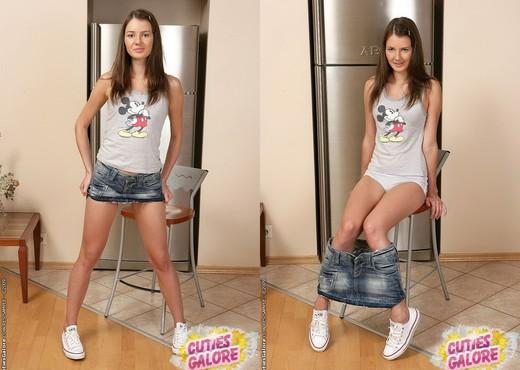 Faye Anal Play - Cuties Galore - Teen Nude Pics
