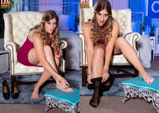 Rachel - Glass Lass - Leg Sex - Feet Porn Gallery