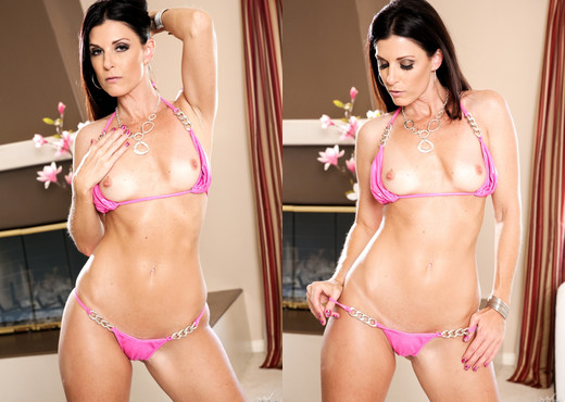 India Summer - 1000 Facials - Blowjob Sexy Photo Gallery