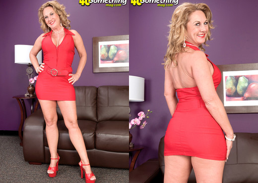 Cali Houston - Houston, We Have A Milf! - 40 Something Mag - MILF Image Gallery