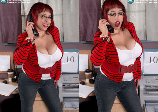 Elle Flynn - Office Hottie Alert - ScoreLand - Boobs Nude Pics