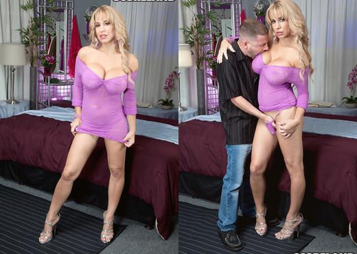 Alyssa Lynn - Private Lap Grinder - ScoreLand - Boobs Sexy Photo Gallery