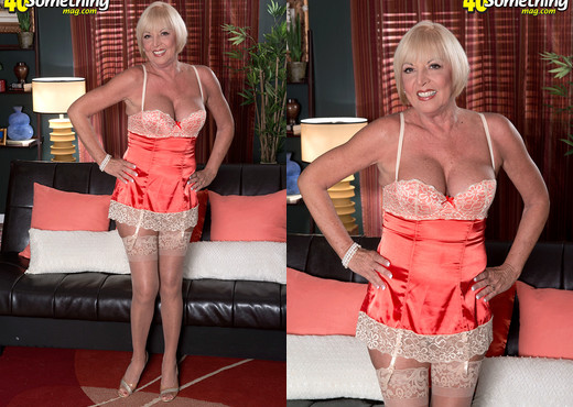 Scarlet Andrews - From Flight Attendant To Gilf - MILF Sexy Gallery