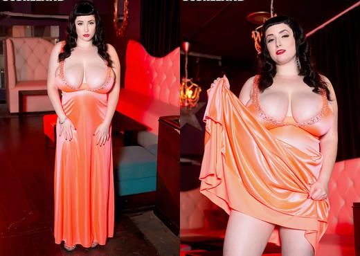 Jenna Valentine - Lux Life - ScoreLand - Boobs Sexy Gallery