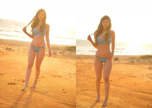 Stella Cox - Sunset Strip - Girlfolio - Solo Sexy Photo Gallery