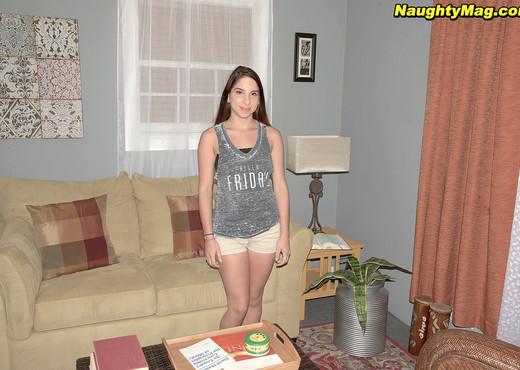 Vanessa Lust - Hey Bartender! - Naughty Mag - Amateur Nude Pics