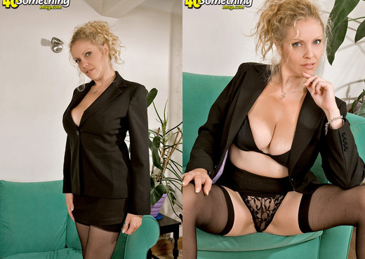 Terry - Terri - 40 Something Mag - MILF Sexy Photo Gallery