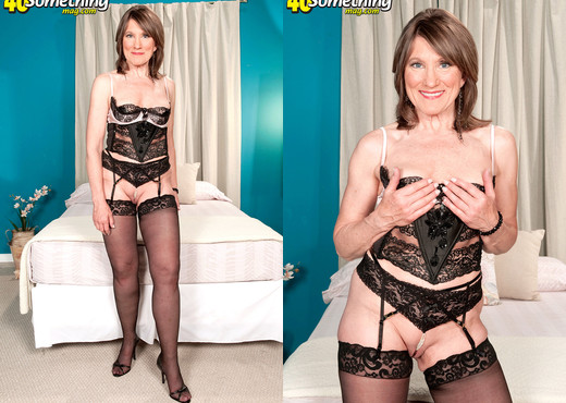 Donna Davidson - Donnas Pearl Necklace - 40 Something Mag - MILF Porn Gallery