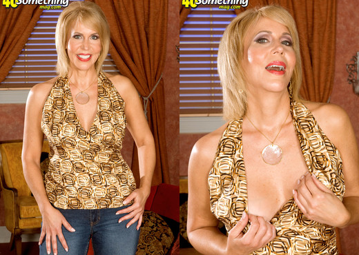 Erica Lauren - Even Anal! - 40 Something Mag - MILF Picture Gallery