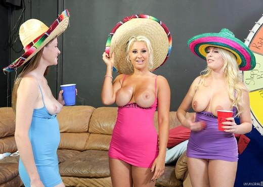 Lara Brooks, Britney Amber & Brooklyn Blue - Immoral Live - Hardcore Nude Pics