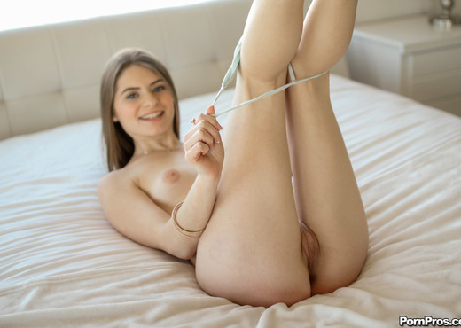 Alice March - Stretched Out - 18YearsOld - Teen Sexy Photo Gallery