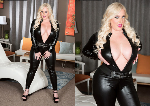 Holly Wood - The Busty Bunny In A Cat Suit - ScoreLand - Boobs Sexy Gallery