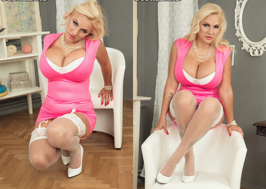 Dolly Fox - Pink Fox - ScoreLand - Boobs TGP