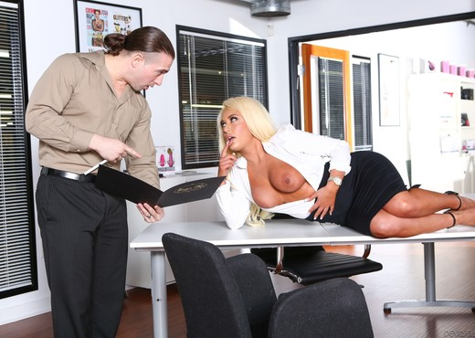 Brandi Bae - Big Tit Office Chicks - Hardcore HD Gallery