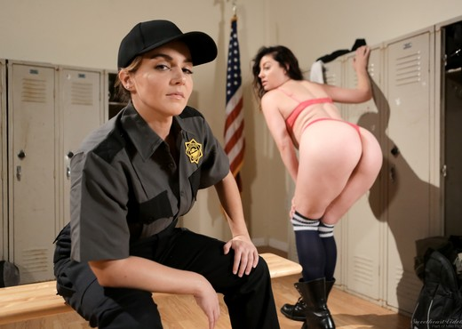 Natasha Nice, Sovereign Syre - Prison Guard Seduction! - Lesbian Image Gallery