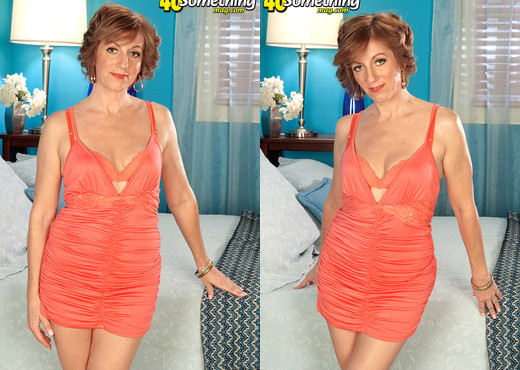 Avalynne O'Brien - The Real Thing - 40 Something Mag - MILF Sexy Gallery