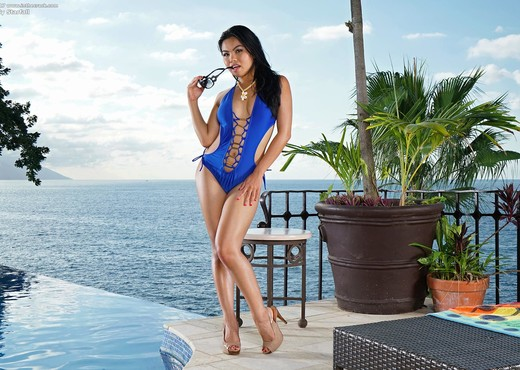 Cindy Starfall - asian blues - InTheCrack - Asian HD Gallery