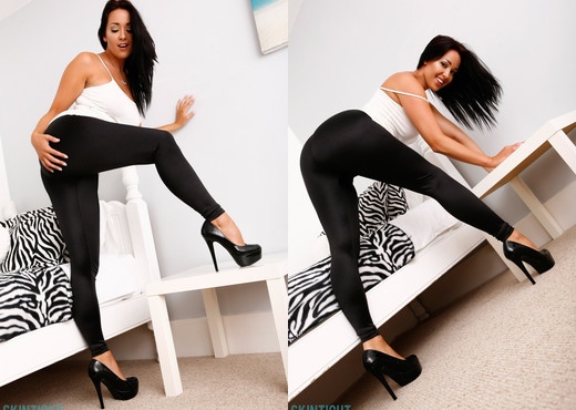 Sammi Jo Black Leggings - Skin Tight Glamour - Solo Sexy Photo Gallery