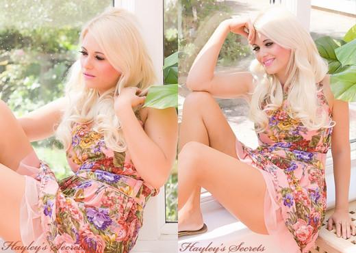 Emma Lou Day Dream - Hayley's Secrets - Solo Sexy Gallery