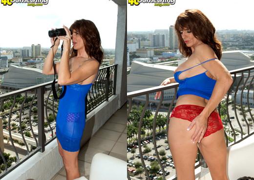 Trisha Lynne - Trishas Freaky Side - 40 Something Mag - MILF HD Gallery