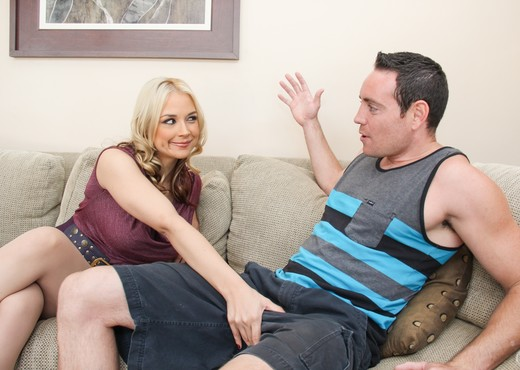 Sarah Vandella & Romeo Price - Mommy Blows Best - Blowjob Porn Gallery