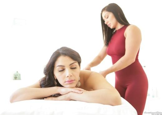 Lea Lexis, Valentina Nappi - European Lesbian Massage - Lesbian Nude Gallery