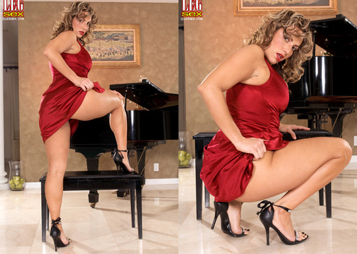 Lexy Marie - High-class Harlot - Leg Sex - Feet HD Gallery