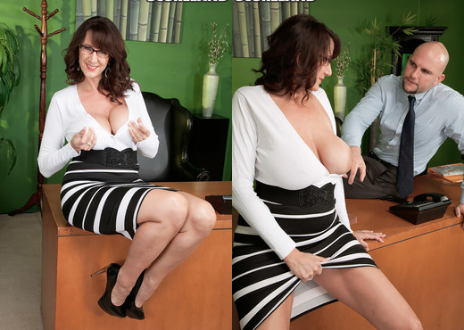 Cassie Cougar - Secretary's Lunch Hour - ScoreLand - Boobs Sexy Gallery