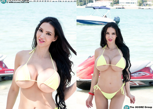 Amy Anderssen - Itsy Bitsy Bikini Beach - ScoreLand - Boobs Hot Gallery