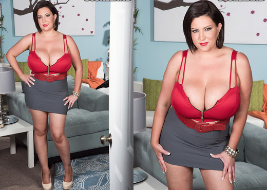 Paige Turner - Triumphant Tits - ScoreLand - Boobs Picture Gallery