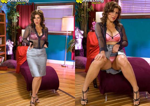 Lorena Ponce - 40 Something Mag - MILF TGP