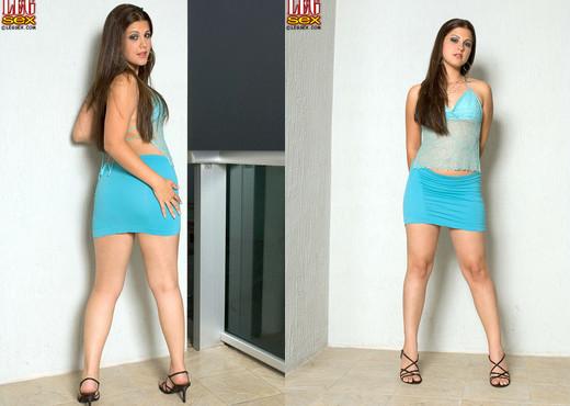 Carmella Diamond - Naked For The Neighbors - Leg Sex - Feet TGP