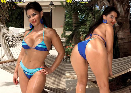 Valery Lopez - Bikini Milf - 40 Something Mag - MILF TGP
