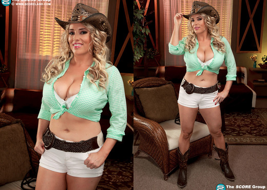 Maggie Green - Boots & Boobs - ScoreLand - Boobs Sexy Gallery