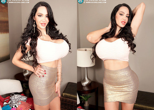 Amy Anderssen - The Tighter The Better - ScoreLand - Boobs Image Gallery