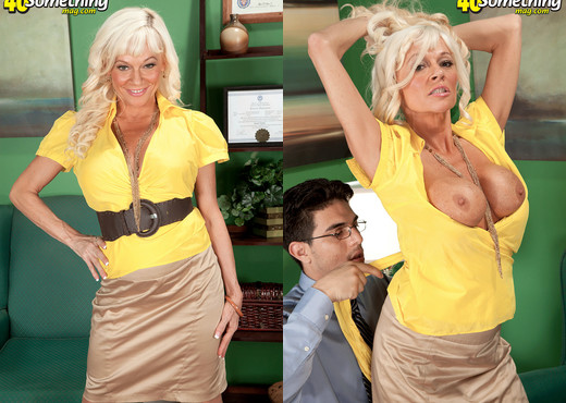 Farrah Rose - A Big Cock For Farrah's Tiny Butthole - MILF HD Gallery