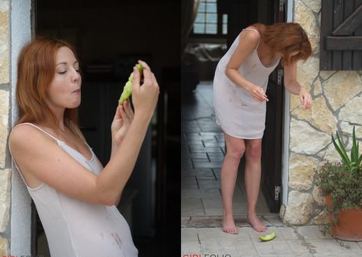 Elen Moore - Elen's Melons - Girlfolio - Solo Nude Pics