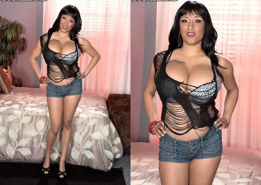 Danni Lynne - Meet Danni - ScoreLand - Boobs Nude Gallery