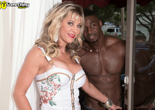 Brandi Fox - A big black cock for Brandi's ass - Interracial Hot Gallery