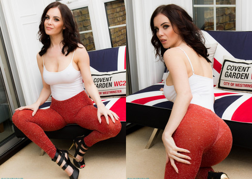 Emma Glover Red Leggings - Skin Tight Glamour - Solo TGP