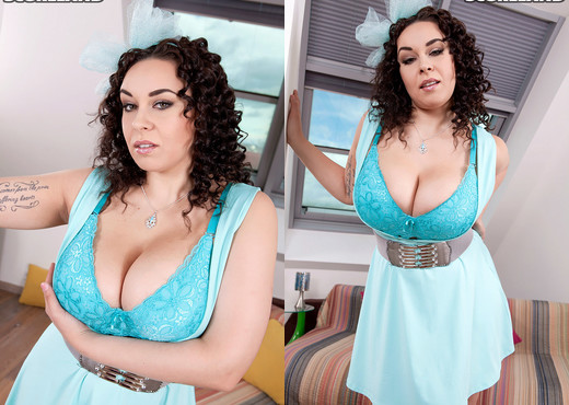 Anastasia Lux - Naked Came The Newcomer - ScoreLand - Boobs Nude Pics
