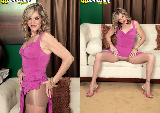 Cami Cline - Cami's Torn Pantyhose And Pussy Show - MILF Sexy Photo Gallery