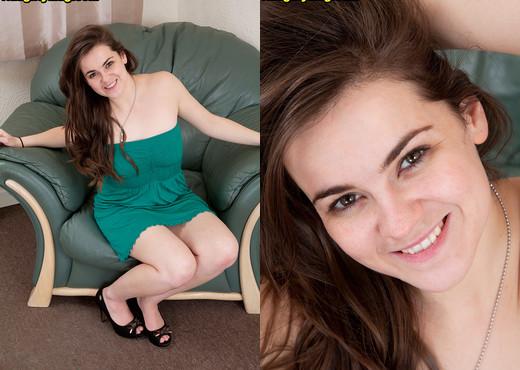 Cheryl - No Less Extreme - Naughty Mag - Amateur Nude Pics
