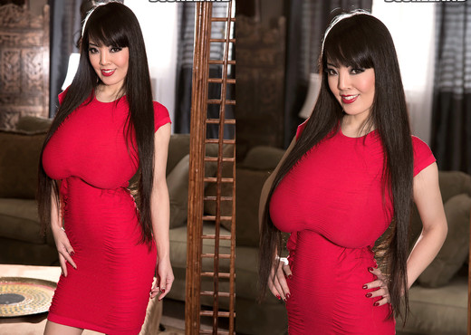 Hitomi - Lady In Red - ScoreLand - Boobs Sexy Gallery