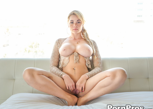 Skyla Novea - Big Tit Massage - Real Ex Girlfriends - Hardcore Picture Gallery