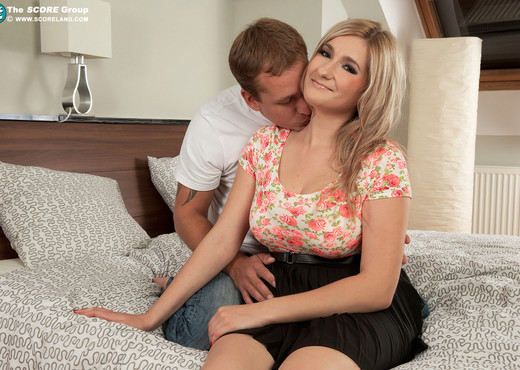 Audee - Busty Blonde Fucks On First Date - ScoreLand - Boobs TGP