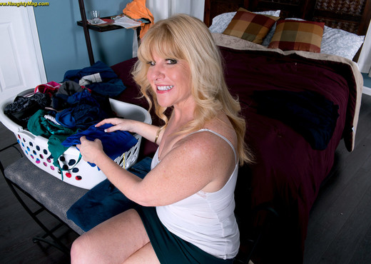 Dawn Jilling - Milfor Cougar, Your Choice - Naughty Mag - Amateur Sexy Photo Gallery